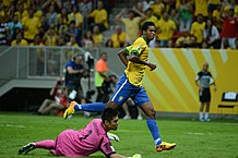 218px-Brazil-Japan,_Confederations_Cup_2013_(3) (1)